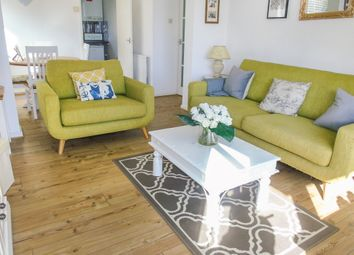 2 bed flat for sale in Salisbury Close, Penarth CF64