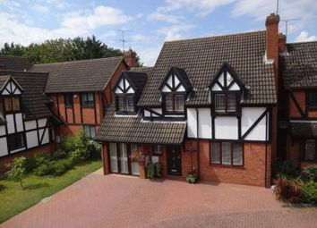 Thumbnail 4 bed detached house for sale in Fulbourne Close, Luton