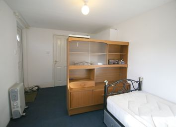 Thumbnail 1 bed flat to rent in Camelot Close, London