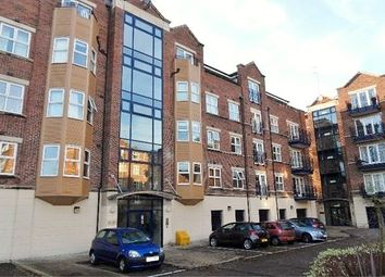 Thumbnail 3 bed flat to rent in Carisbrooke Road, Far Headingley, Leeds