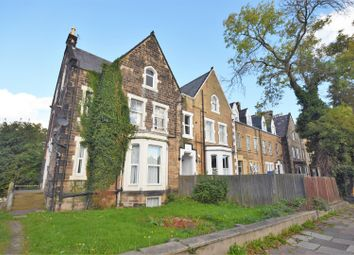 2 bed flat to rent in Park Road South, Prenton CH43
