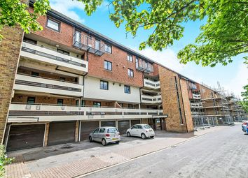 Thumbnail 1 bed flat to rent in Kingsway Gardens, Andover