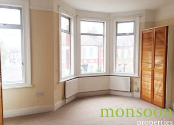 2 bed flat to rent in Chesterfield Gardens, London N4