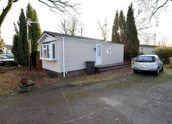 Thumbnail 1 bedroom mobile/park home for sale in Seventh Ave, Garston Park, Tilehurst, Reading