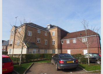 Thumbnail 2 bedroom flat for sale in Cowden Close, Farnham, Surrey