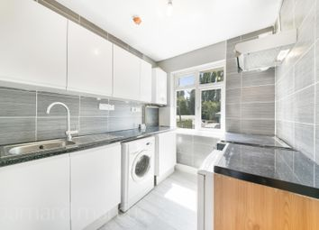 2 bed flat to rent in Chessington Road, Ewell, Epsom KT19