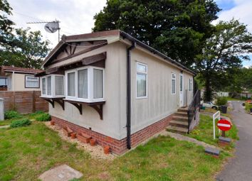 Thumbnail 2 bedroom mobile/park home for sale in Seventh Avenue, Garston's Park, Tilehurst, Reading
