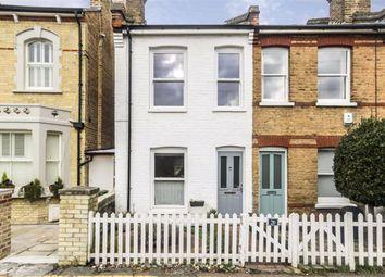 2 bed property to rent in Middle Lane, Teddington TW11