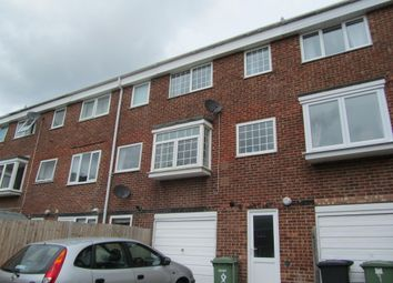 Thumbnail 4 bedroom town house to rent in Rectory Court, Botley, Southampton