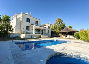 Thumbnail 4 bed villa for sale in La Duquesa, Malaga, Spain