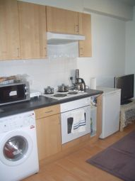 1 bed property to rent in Brudenell Road, Hyde Park, Leeds LS6