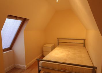 Thumbnail 4 bedroom flat to rent in Richmond Road, Roath, Cardiff