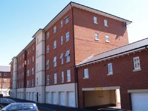 Thumbnail 2 bed flat to rent in Alexandra House, Gloucester