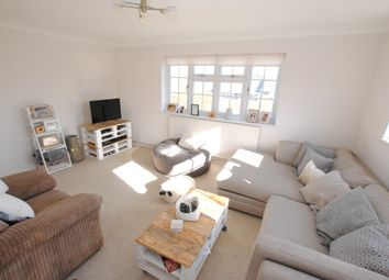 Thumbnail 3 bed flat to rent in Kings Road, Henley-On-Thames