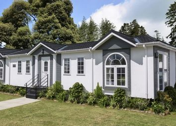 Thumbnail 2 bed mobile/park home for sale in Second Avenue, Ravenswing Park, Aldermaston, Reading