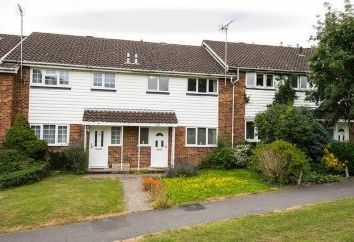 Thumbnail 3 bed terraced house for sale in 18 Carnoustie, Bracknell, Berkshire