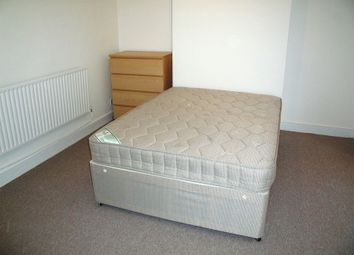 Thumbnail 1 bedroom terraced house to rent in Room To Rent Including All Bills RG1, Reading,