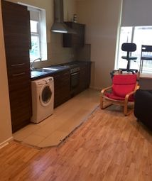 Thumbnail 4 bed flat to rent in Blenheim Square, Leeds