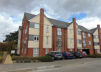 Thumbnail 1 bed flat to rent in Fullbrook Avenue, Spencers Wood, Reading, Berkshire