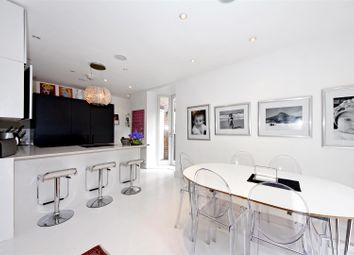 Thumbnail 4 bed property to rent in Rotherwick Road, Golders Green