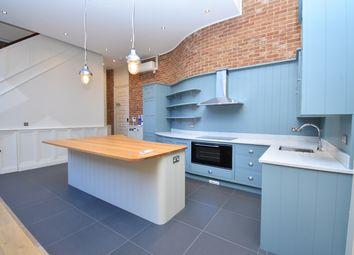 Thumbnail 2 bed flat to rent in Bartholomew Street, Newbury