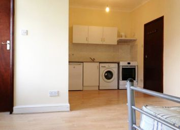 Thumbnail Studio to rent in Stroud Green Road, Finsbury Park London