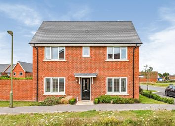 Hode Garth, Thame OX9. 3 bed detached house