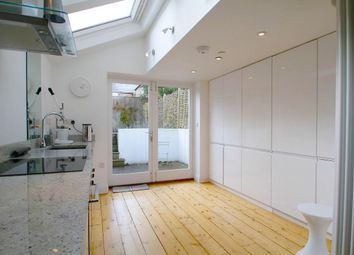 Thumbnail 2 bedroom town house to rent in Stanley Road, Oxford