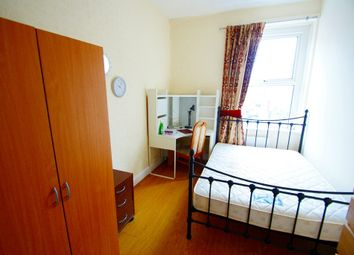 Thumbnail 3 bed flat to rent in City Road, Cathays, Cardiff