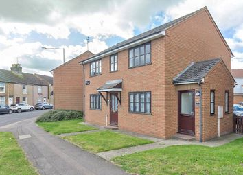 Thumbnail 2 bed flat to rent in Chalkwell Road, Sittingbourne, Kent