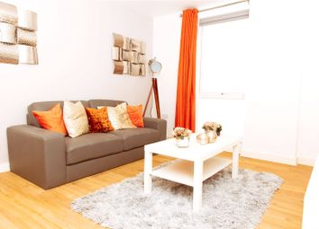 3 bed flat to rent in The Plaza, Advent Way, Ancoats, Manchester M4