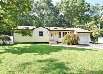 Thumbnail 3 bed property for sale in Commack, Long Island, 11725, United States Of America