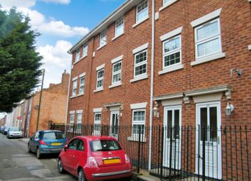 Thumbnail 4 bed town house for sale in Queen Street, Grantham