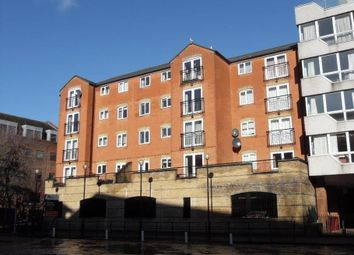 Thumbnail 2 bed flat to rent in Mayflower Court, Reading