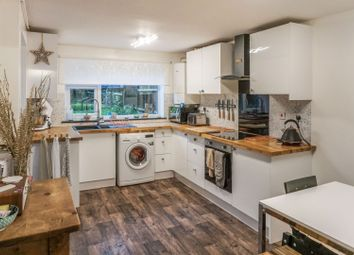 Thumbnail 5 bed terraced house for sale in Gaveston Close, Warwick