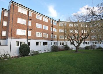 Thumbnail 2 bedroom flat to rent in Princes Way, Southfields, London