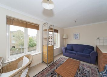Thumbnail 1 bed flat to rent in Arragon Road, Twickenham