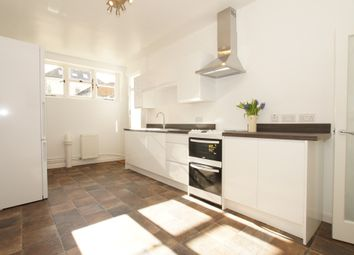 Thumbnail 3 bed flat to rent in Peckham Road, Camberwell