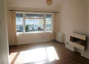 2 bed maisonette to rent in Wiltshire Avenue, Slough SL2
