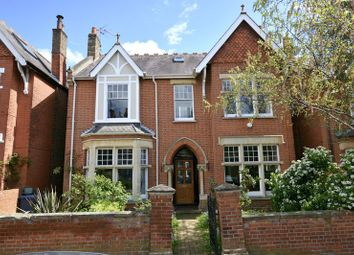 Thumbnail 6 bed detached house for sale in Kings Avenue, London