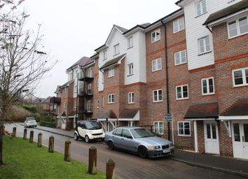 Thumbnail 2 bedroom flat for sale in Freer Crescent, High Wycombe