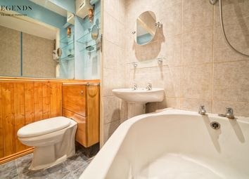 Thumbnail 2 bed flat to rent in Burwell Walk, London