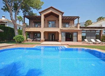 Thumbnail 4 bed villa for sale in Milla De Oro, Marbella, Mlaga