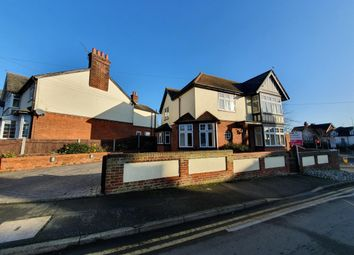 Thumbnail 4 bed property to rent in Clare Road, Braintree
