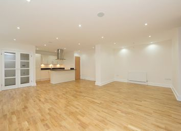 Thumbnail 2 bed flat to rent in Summerley Street, Earlsfield