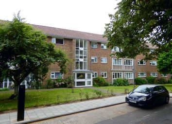 Thumbnail 2 bed flat for sale in North Walls, Chichester
