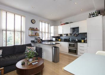 Nunhead Grove, Nunhead SE15. 2 bed flat for sale