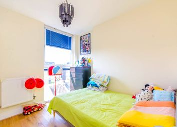 Thumbnail 2 bedroom flat for sale in Westwood House, Canary Wharf, London