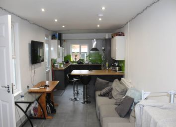 Thumbnail 6 bed property to rent in Mackintosh Place (Fake), Roath, Cardiff