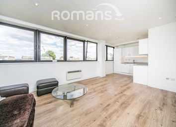 Thumbnail 3 bedroom flat to rent in Kings Road, Reading